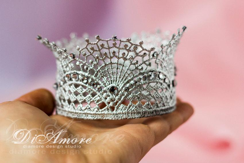 Свадьба - Silver & Crystals Wedding Cake Toppercrown photography propLace crown cake topperprincess partybirthdayparty decoration