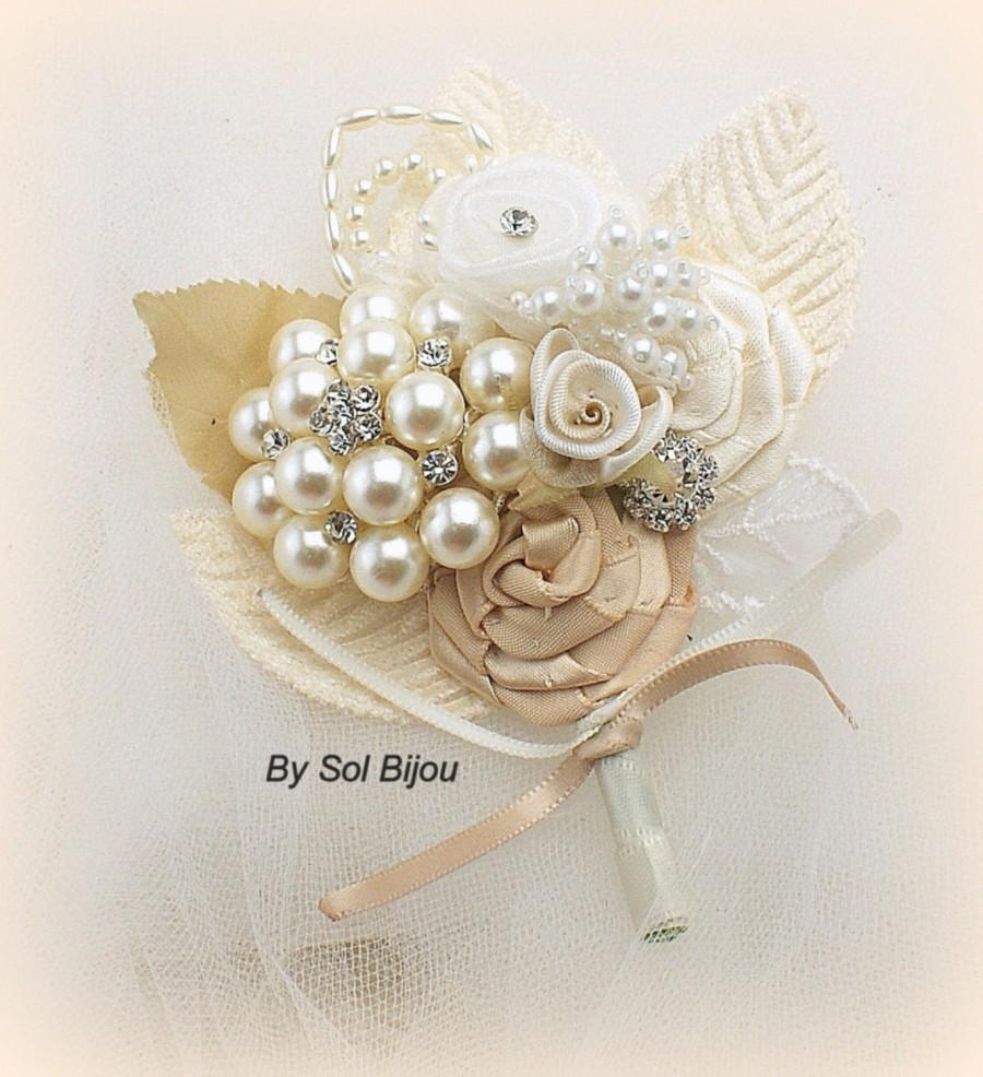 Свадьба - Boutonniere, Ivory, Tan, Beige, Champagne,Brooch, Corsage, Groom, Groomsmen, Mother of the Bride, Pearls, Crystals, Vintage Style