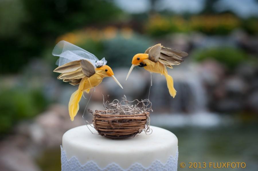 Mariage - SALE! Hummingbird Wedding Cake Topper in Sunshine Yellow: Rustic Bride and Groom Love Bird Cake Topper -- LoveNesting Cake Toppers