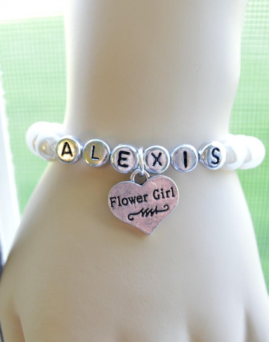 Mariage - Name Bracelet with Flower Girl Charm, Wedding Jewelry, Stretch, Pearl, Children's Jewelry, Monogram, Personalized Jewelry