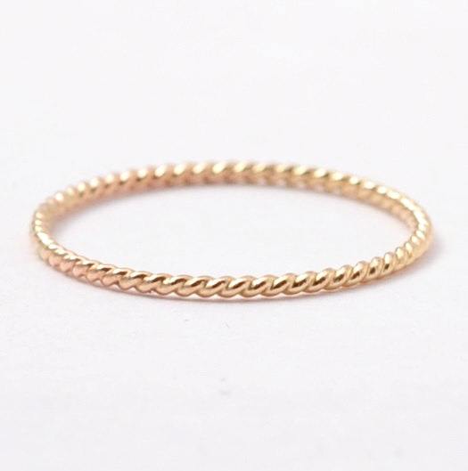Mariage - Twisted Wedding Band: Solid 14K Yellow Gold Wedding Ring