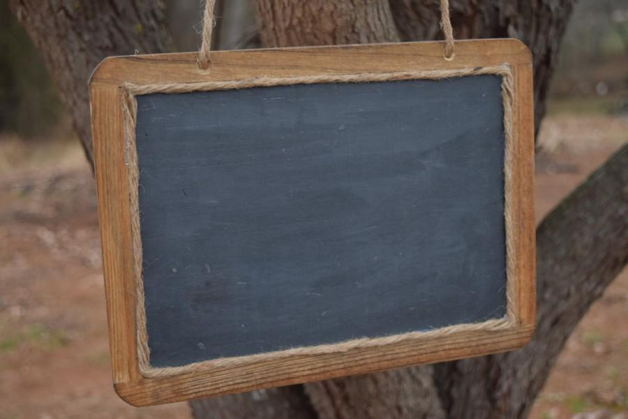 Mariage - Large Hanging Rustic Chalkboard Sign - 7x10 Chalkboard - Chalkboard Photo Prop - MR. and MRS. - Hanging Chalkboard
