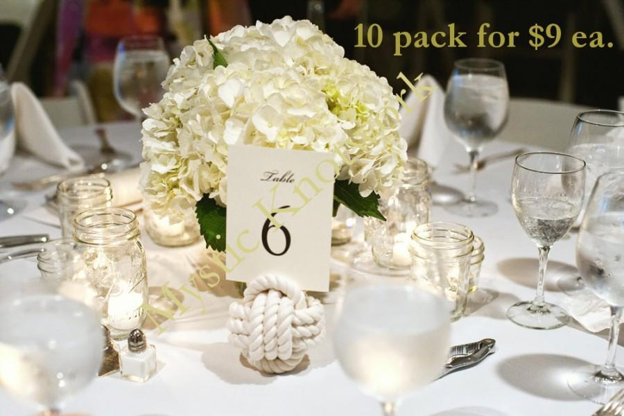 Mariage - Nautical Wedding Rope Knots 10 Table Number Holders for your Seaside Wedding White Monkey Fist Rope  Knots