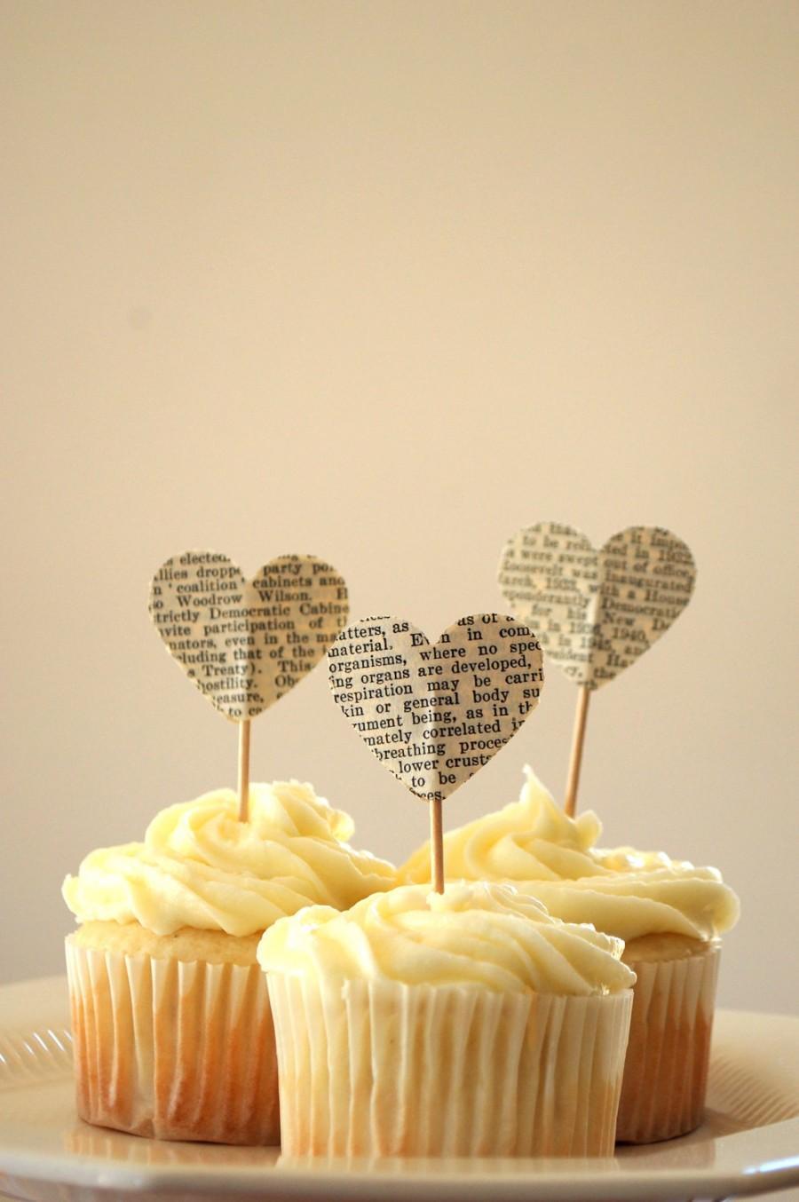 Свадьба - Vintage Book Page Heart Cupcake Picks