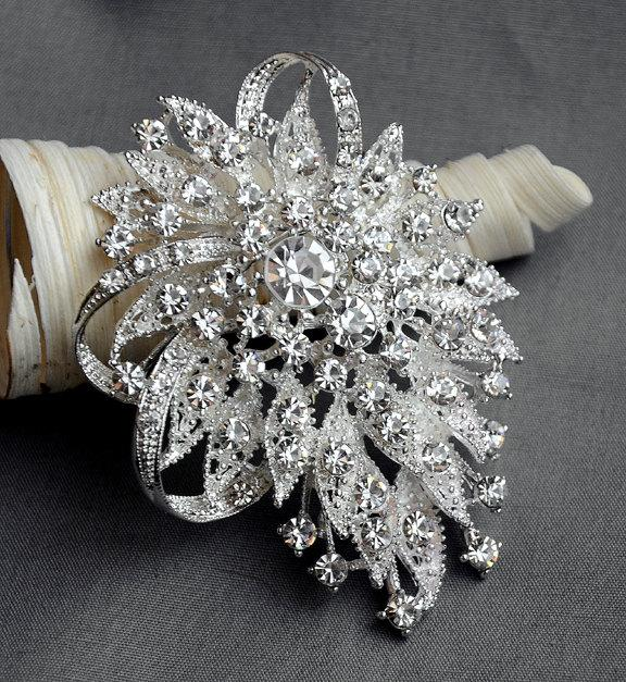 Свадьба - 10 Rhinestone Brooch Crystal Brooch Bridal Brooch Bouquet Hair Comb Shoe Clip Wedding Cake Decoration Invitation Supply BR063