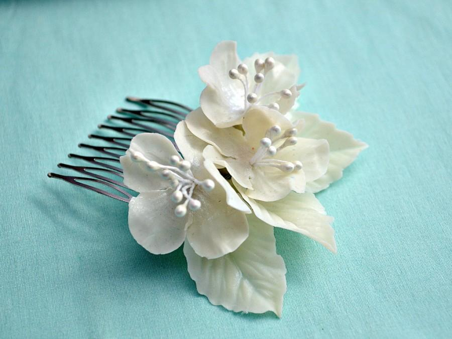 Mariage - Romantic wedding hair comb, Bridal headpiece, Cherry blossom porcelain jewelry, Delicate hair flowers, Unique bride to be gift, White, Ivory