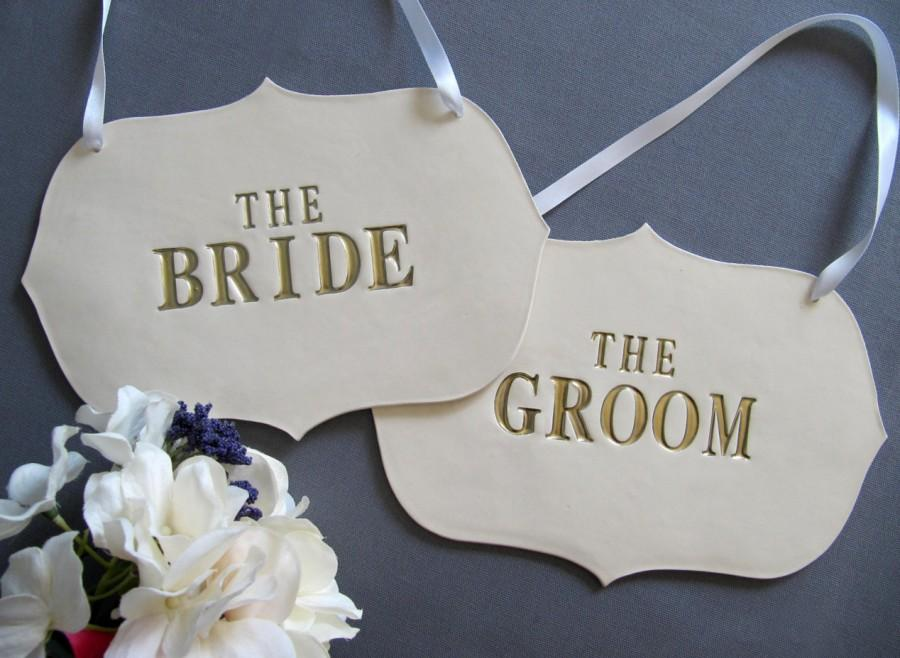 Свадьба - Large Gold The Bride & The Groom Wedding Sign Set to Hang on Chair and Use as Photo Prop