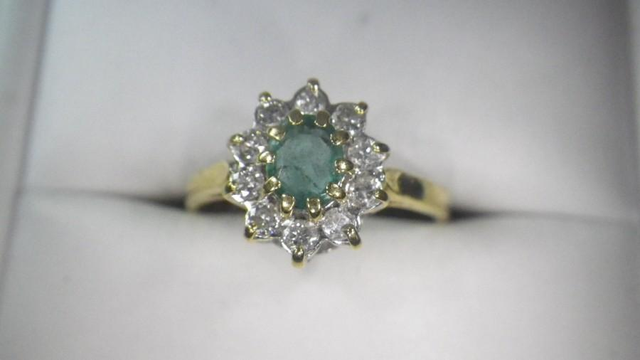 زفاف - Vintage 18ct Yellow Gold Diamond Emerald Cluster Ring