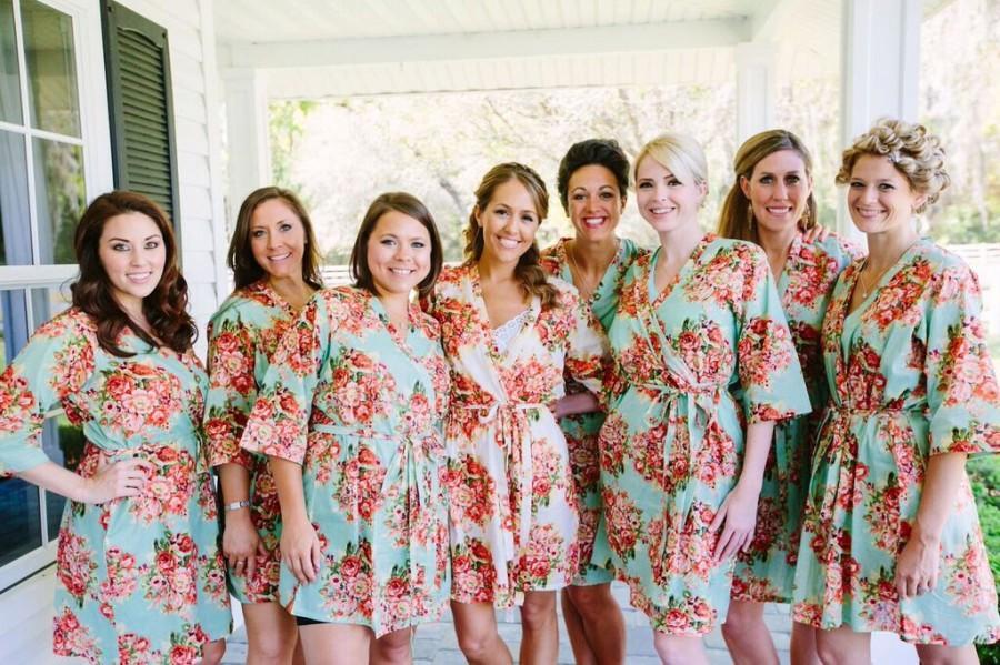 زفاف - Set of 8 Floral Kimono Crossover patterned Robe, Bridesmaids Robes, Bridesmaids gift, Getting ready robes, Bridal shower favors, Photo prop