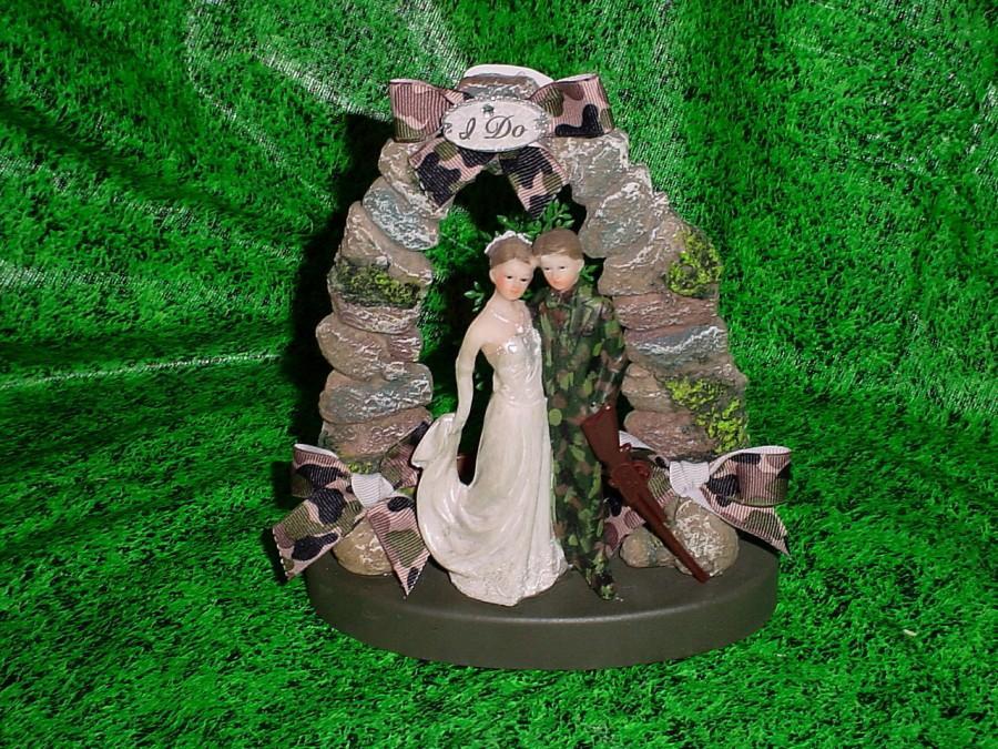 HUNTER REDNECK BUCK DEER BRIDE CAMO GROOM WEDDING CAKE TOPPER