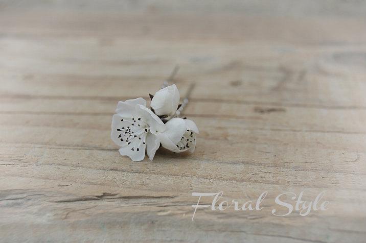 Свадьба - Cherry blossom Bridal White Hair Pins (SET Of 3 or 5) - Flower hair pin - Bridal Hair Pin - Simple flowers - Cherry blossom