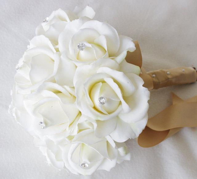 Свадьба - Silk Wedding Bouquet - Natural Touch Off White Ivory Roses Silk Flower Bride Bouquet - Almost Fresh