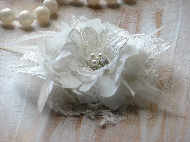 Hochzeit - Wedding hair flower Ivory hair flower Ivory lace haedpiece Wedding lace pin Ivory wedding flower Ivory hair flower Ivory wedding fascinator
