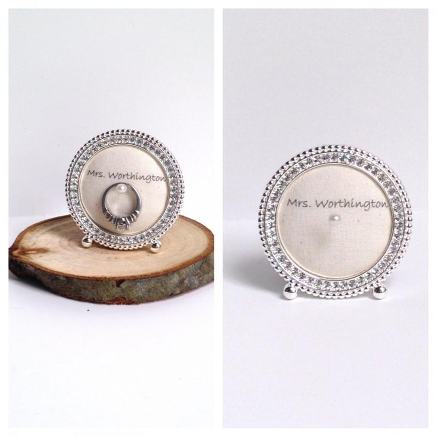 Hochzeit - Wedding ring holder petite round diamond frame: engagement ring holder, bridal shower gift, for her, ring stand