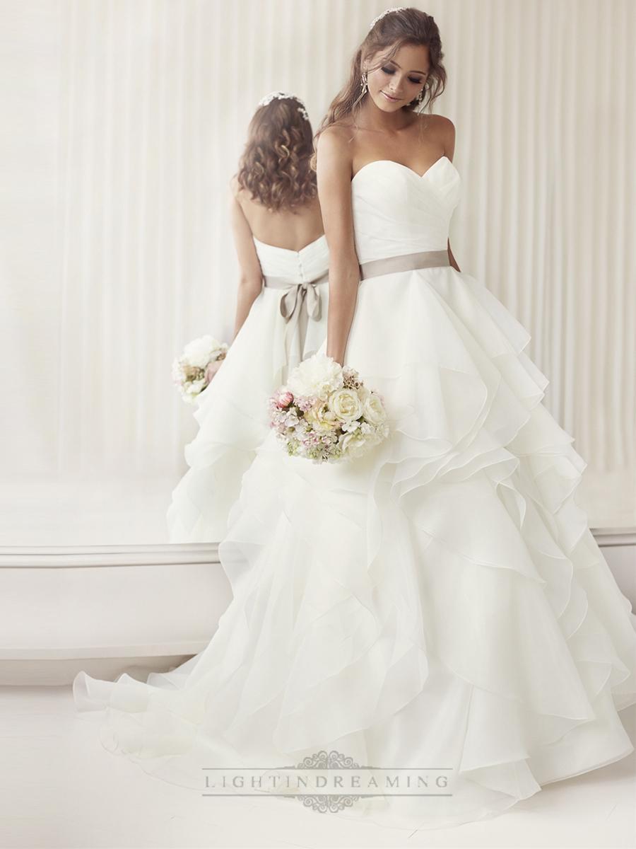 Свадьба - Elegant Sweetheart A-line Ruched Wedding Dresses with Layered Skirt - LightIndreaming.com