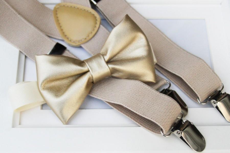 Hochzeit - Light metallic gold bow-tie & tan elastic suspender set - Gold bow tie and tan suspenders - Faux Leather bow tie