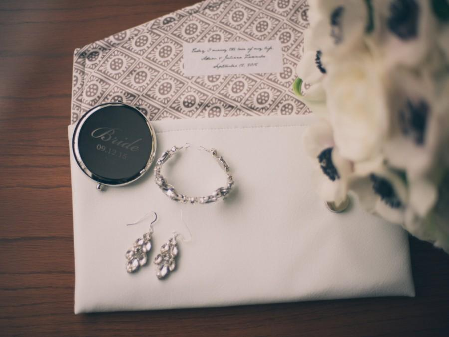 Свадьба - Custom Inscription Label, Personalized Bridesmaids Brides Clutches