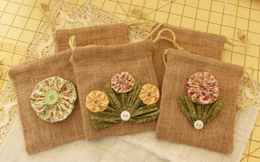 Wedding - Burlap Gift Bags with YoYo Flowers and Buttons for Rustic Wedding and Party Favors - Bohemian (ready to be shipped)