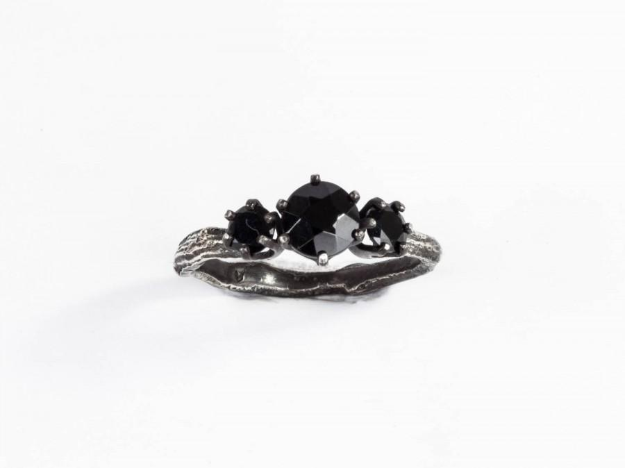 Свадьба - Black spinel three stone twig ring, twig engagement ring, gothic engagement ring