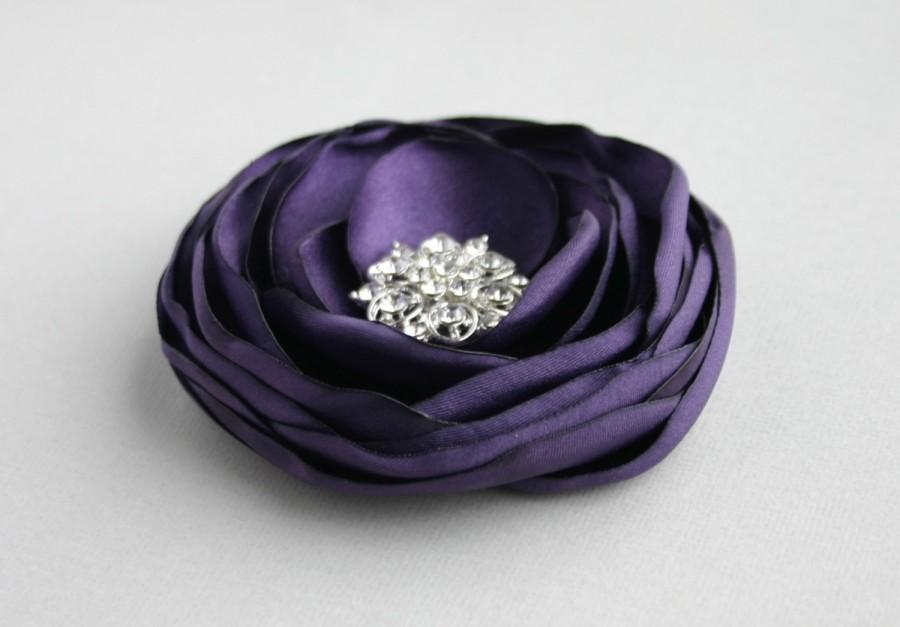 Свадьба - Purple Flower Hair Accessory, Dark Purple Flower Clip, Eggplant Wedding Hair Piece, Flower Fascinator, Bridesmaid, Flower Girl, Flower CLip