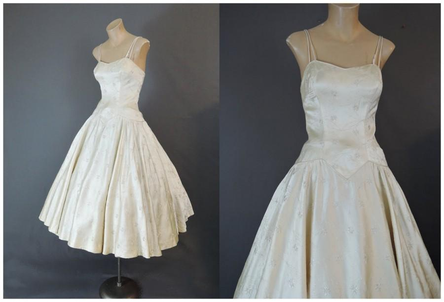 Mariage - Vintage 1950s Ivory Satin Dress with Metallic Embroidery Princess Cut  Fitted Bodice with Full Skirt - 34 bust, wedding, bride, party
