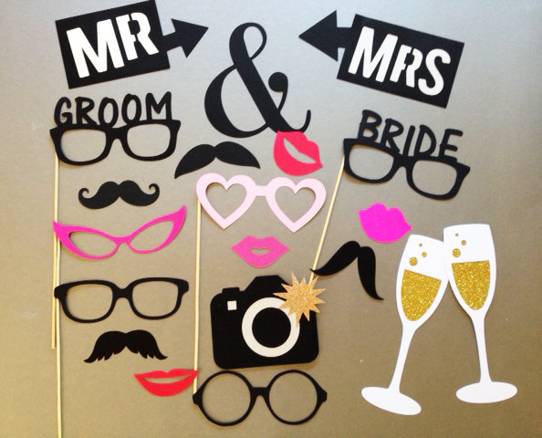 Свадьба - Wedding Photobooth Props Holiday Photo Booth Props Set of 20
