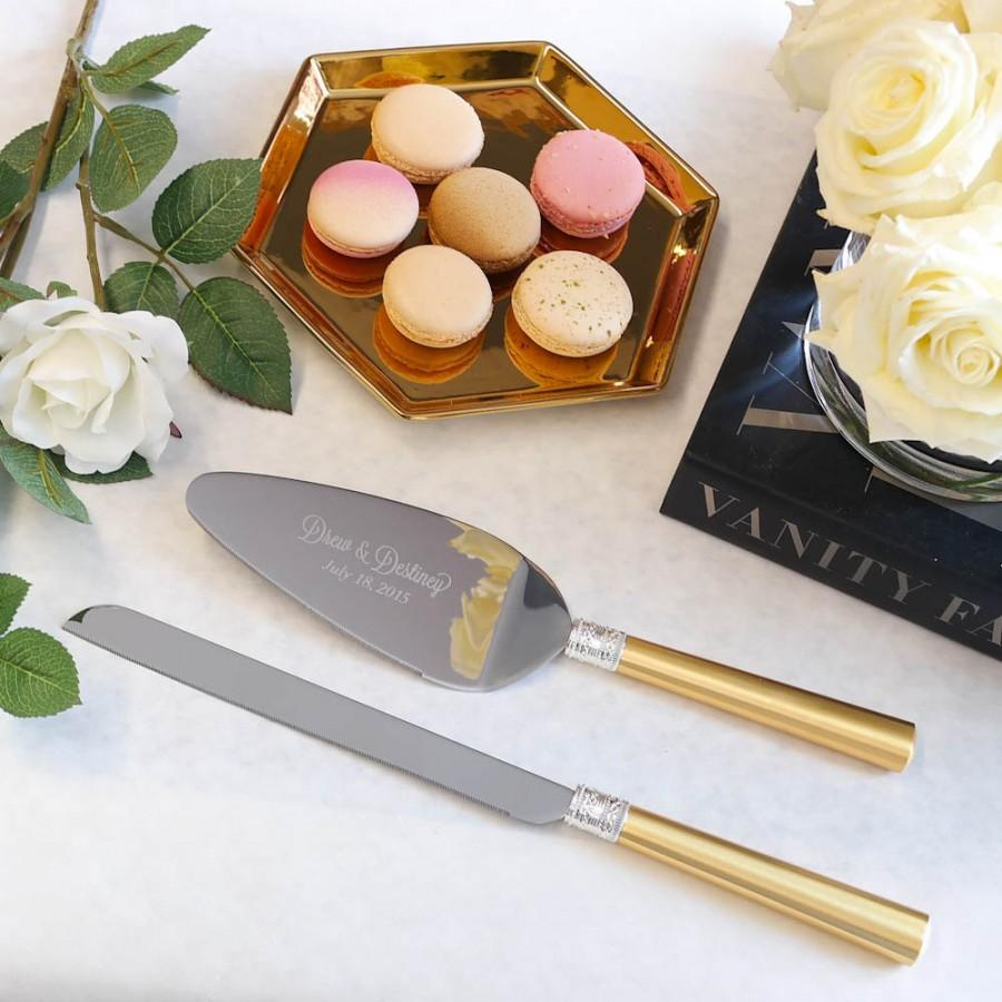 زفاف - Vera Wang With Love Gold Wedding Cake Knife and Server Set - (2 PC) Custom Engraved Cake Server and Knife Set - Personalized Wedding Gift