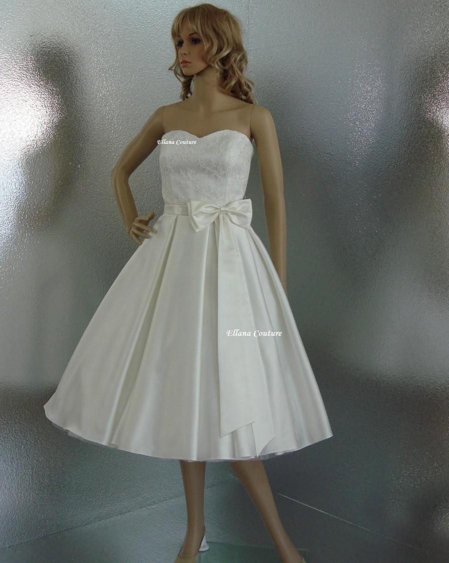 Charmant Aster   GORGEOUS Vintage Inspired Wedding Gown. Tea Length.