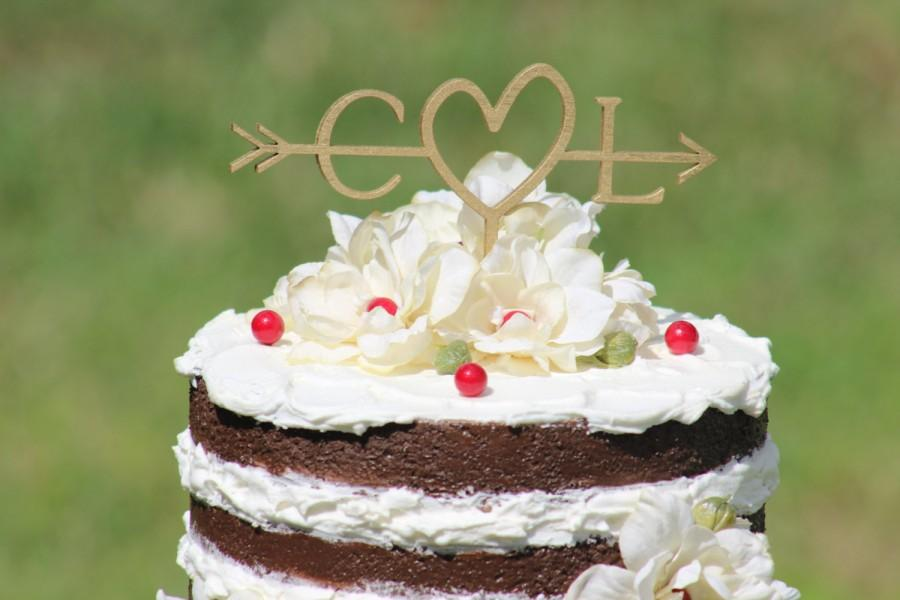 Hochzeit - Gold Initials Arrow Cake Topper - Decoration - Beach wedding - Bridal Shower - Bride and Groom - Rustic Country Chic Wedding