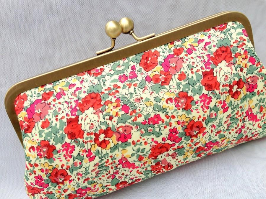Свадьба - Formal Flower Clutch, Floral Pattern Clutch, Casual Clutch, Bridesmaid Purse, Bridal Clutch, Prom Clutch {Rosie Posie Kisslock}