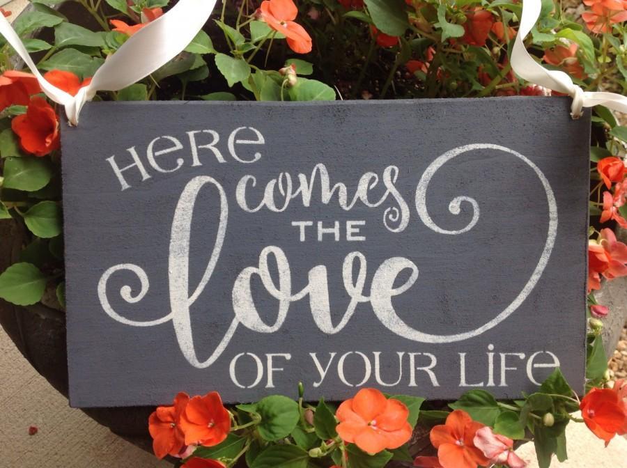 زفاف - Here comes the bride, here comes the love of your life, ring bearer sign, charcoal gray