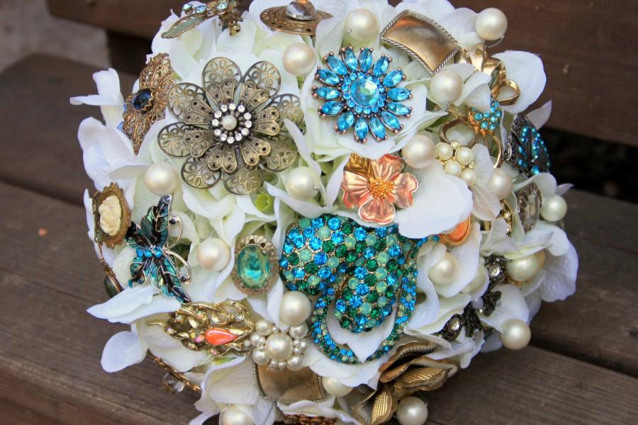 Wedding - Brooch Bouquet vintage with free toss bouquet!!