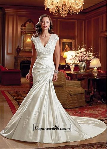 Mariage - Alluring Tulle & Satin V-neck Natural Waistline Mermaid Wedding Dress
