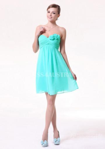 Свадьба - Buy Australia A-line Strapless Blue Chiffon Knee Length Flowe Detail Bridesmaid Dresses 8132254 at AU$122.30 - Dress4Australia.com.au