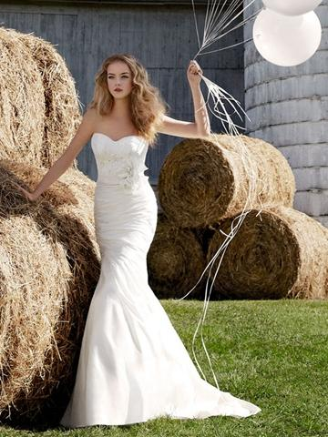 Wedding - Modified Sweetheart Spring Natural Wedding Dress with Fleur Cotton Lace Bodice