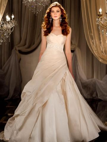 Свадьба - Sweetheart Ruched Ball Gown Wedding Dress with Beaded Lace Belt