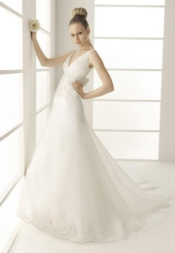 Hochzeit - Organza V-neck Strapless A-line Bow Back Elegant Wedding Dress