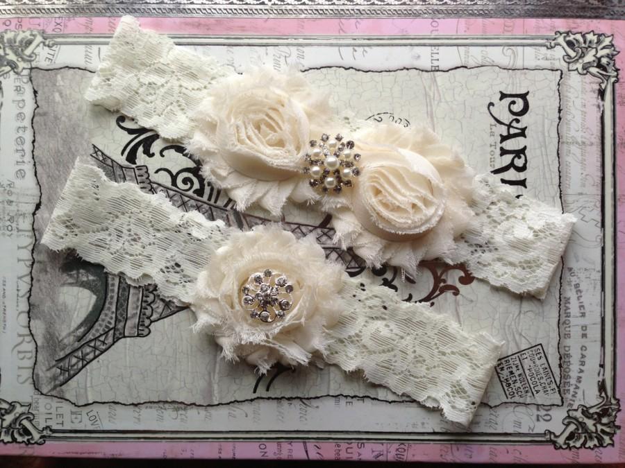 Свадьба - Wedding Garter Set, Bridal Garter Set - Ivory Lace Garter, Keepsake Garter, Shabby Ivory Garter, Ivory Bridal Garter, Pearl Garter Set