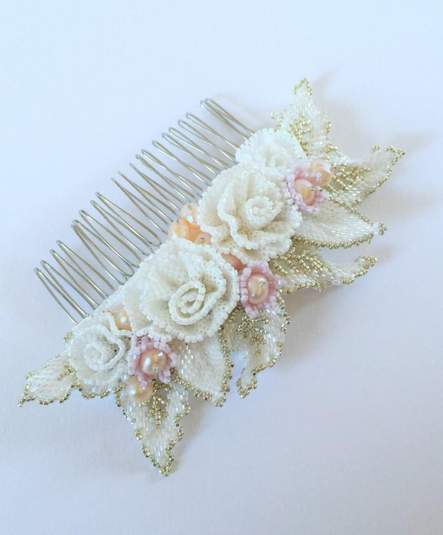 Свадьба - Hand Beaded Flowers and Leaves Hair Comb Perfect for the Bride