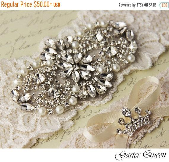 Свадьба - SALE 10% OFF Ivory Lace Garter Set, Wedding Garter Set, Bridal Garter, Lace Bridal Garter Set, Crystal and Rhinestone Garters
