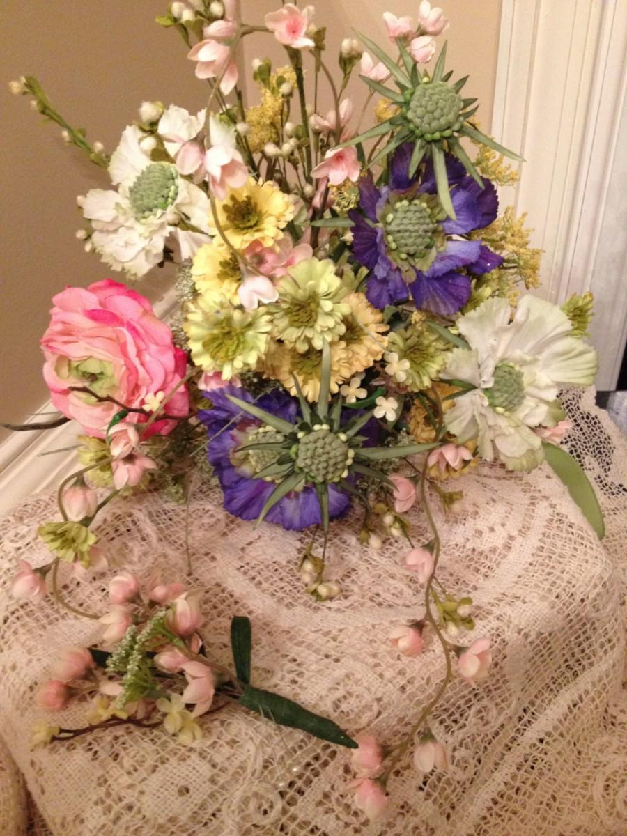 Mariage - WILDFLOWER BRIDAL BOUQUET, Mixed Floral Spring Bouquet, Wedding Bouquet, Groom's Boutenniere, 2 Piece Wedding