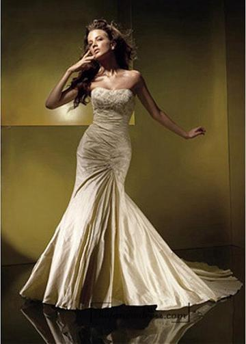 Mariage - Beautiful Gorgeous Divine Taffeta Mermaid Strapless Scooped Wedding Dress In Great Handwork