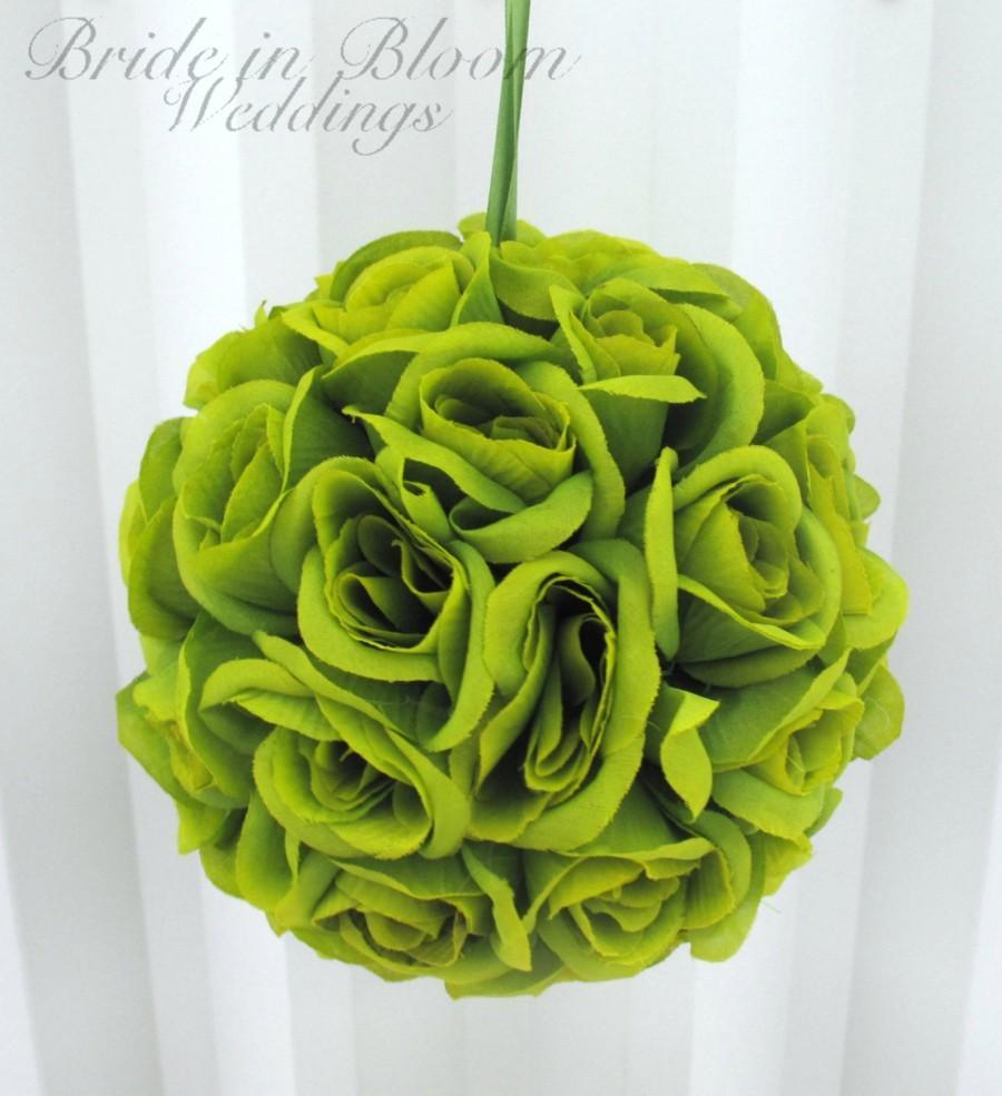 Hochzeit - Green pomander kissing ball flower girl wedding decoration wedding flowers bridesmaid bouquets