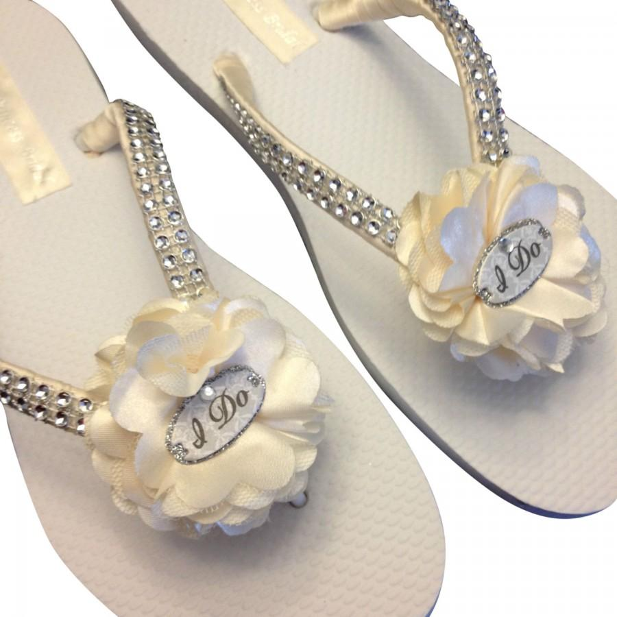 5779e0889160 Bridal Flip Flops - Ivory Wedding Flip Flops -I Do Flip Flops - Beach  Sandals - Beach Wedding - White - Cream - Champagne Wedding