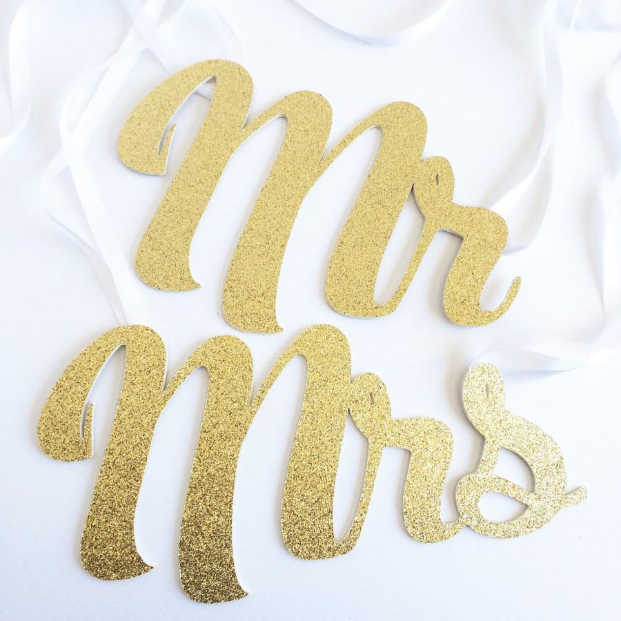 Свадьба - Wedding Chair Signs - Mr & Mrs Wedding Chair Decorations (Wedding decor, wedding props, wedding photo, Mr and Mrs signs, chair signs)