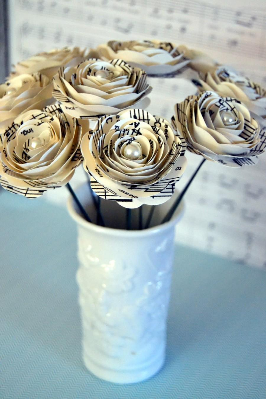 Свадьба - Beautiful Stemmed Music Note Roses with Pearl Centers