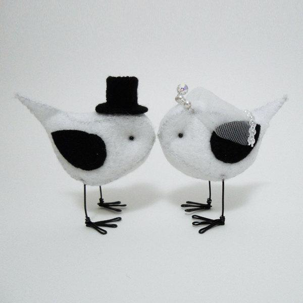 Свадьба - Bride and Groom Birds - Bird Wedding Cake Toppers (Choice of Colors)