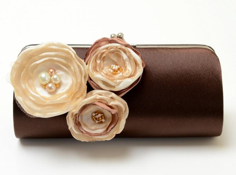 زفاف - Dark Chocolate Brown Clutch - Bridal Clutch - Bridesmaid Clutch Set - Kisslock Snap Bouquet Clutch - Ivory Vanilla Champagne Flowers
