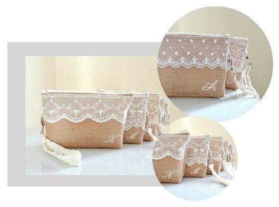 زفاف - Burlap and lace clutches Bridesmaids set of 5 (or more) monogrammed wristlets with mix and match laces Bridesmaid gift Country wedding