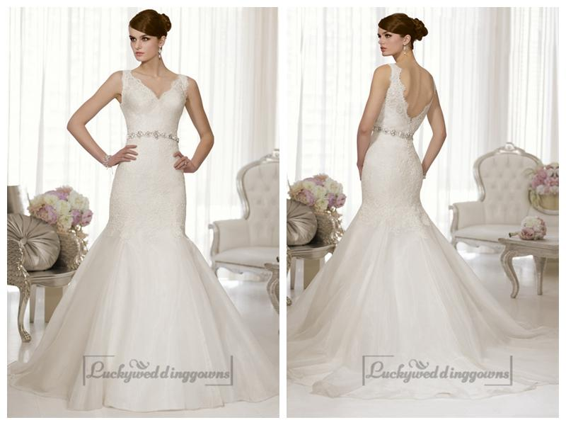 Mariage - Straps Lace V-neck and V-back Trumpet Wedding Dresses